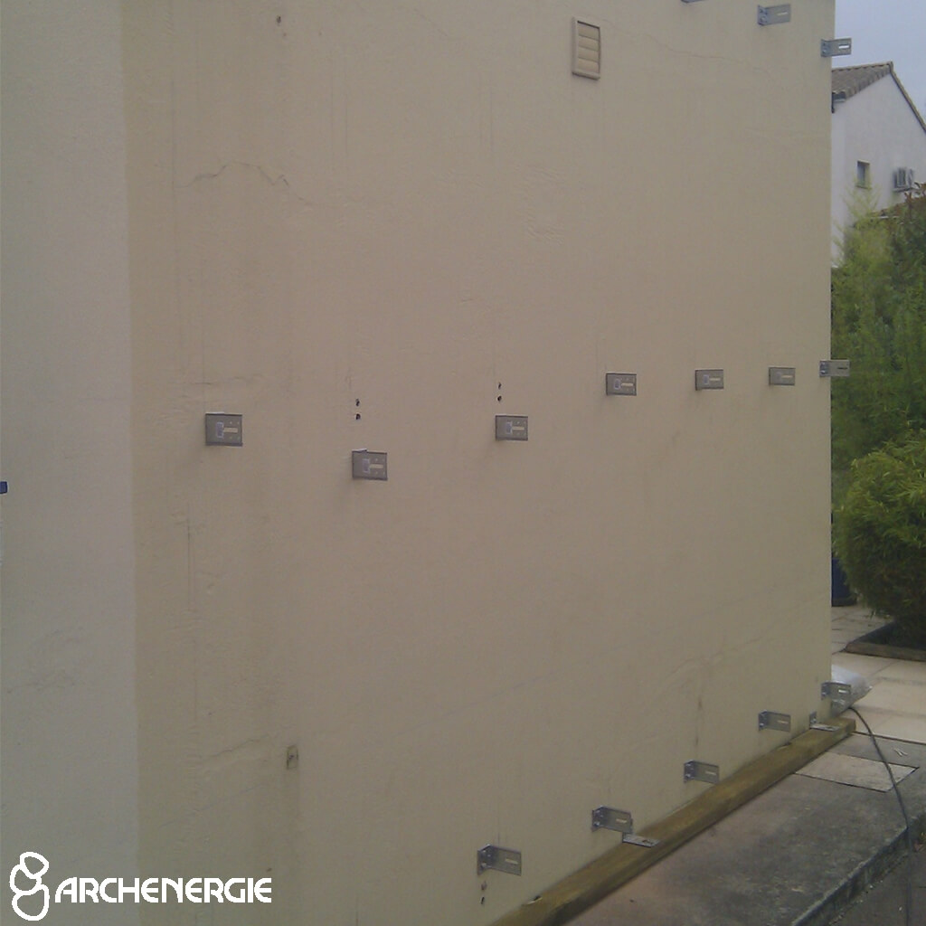 : profil anti nuisibles - isolation par l'extérieur - finition bardage