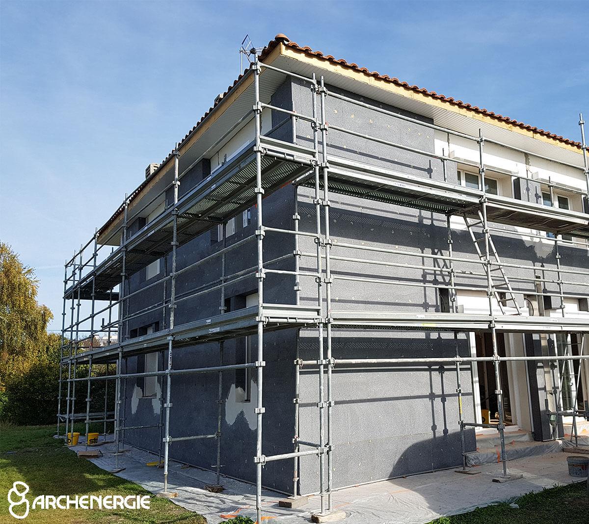 isolation murs extérieurs chantier échafaudage