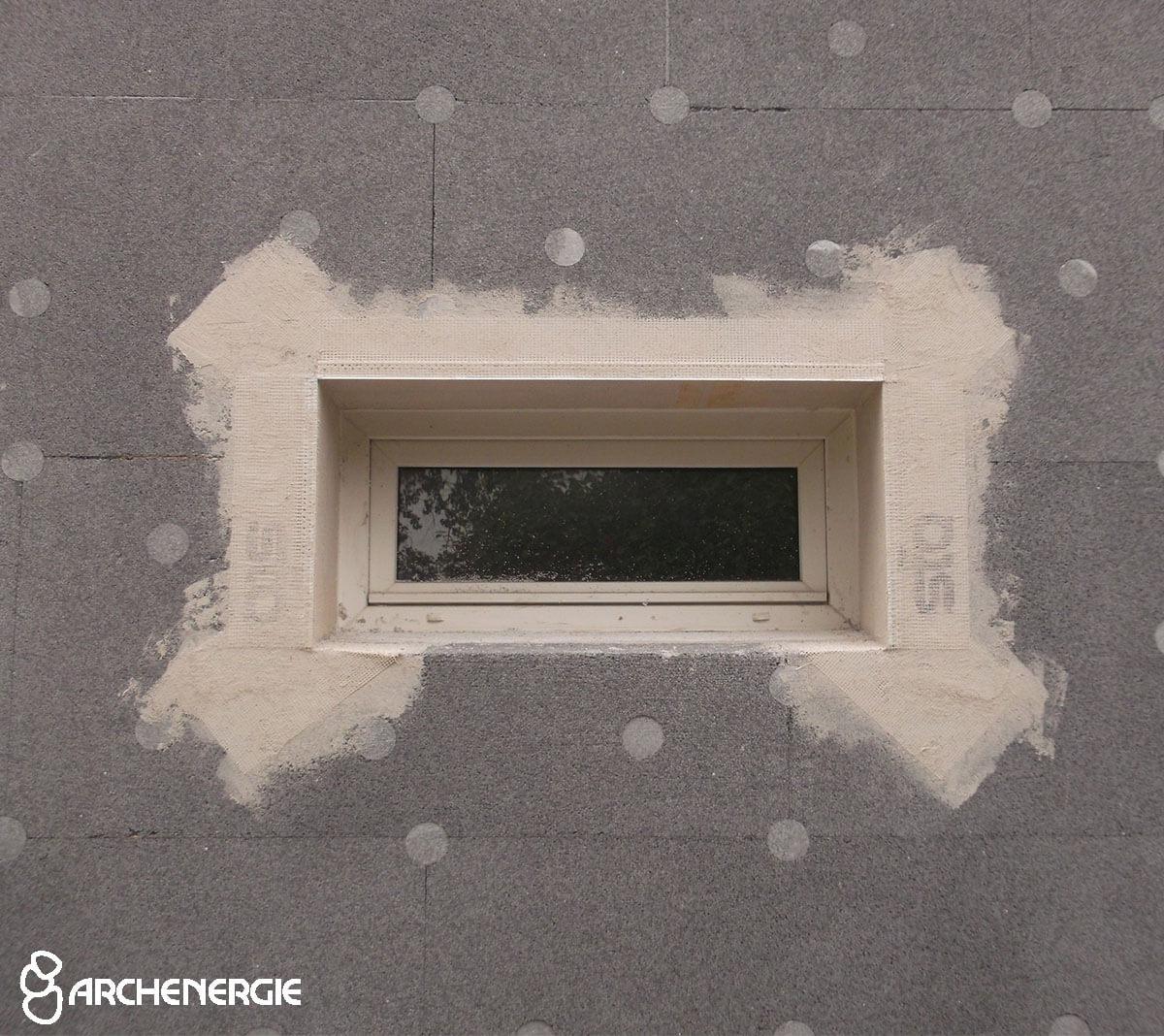 pose armature fibre de verre - renfort points faibles - mouchoirs - armature angles rebord fenêtre profil goutte d'eau