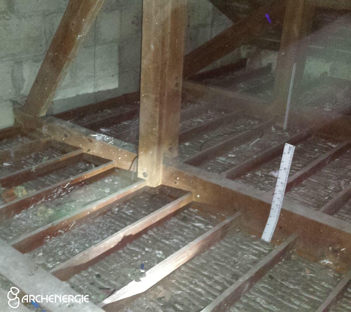 Bordeaux - Enlèvement rouleaux laine de verre - Isolation des combles perdus