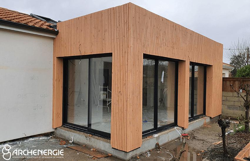 Finition bardage bois extension mérignac